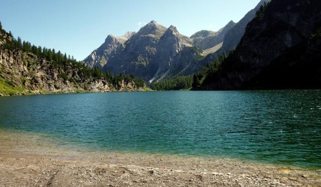 Sursa foto:  1zoom.me  Lac montan Alpii Austrieci