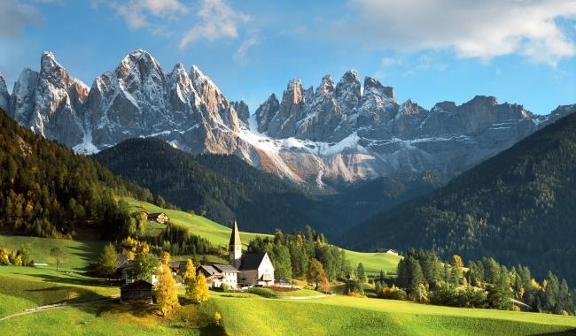 Sursa foto: 1zoom.me  Peisaj montan - Alpii italieni