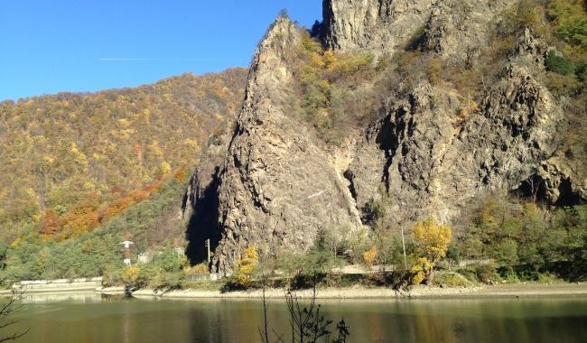 Sursa foto: www.101stiri.ro-Grațiela GHEORGHE CARAGICU  Valea Oltului