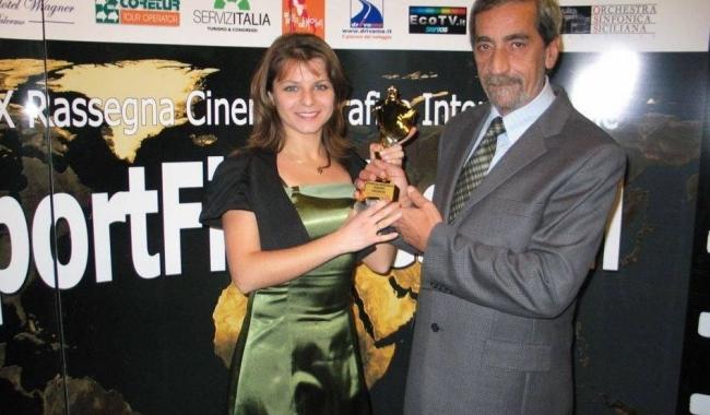 Sursa foto: Alina Cosmoiu, alături de mentorul său, regretatul om de film și televiziune Florin Orezeanu
