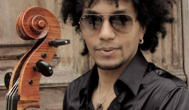 Violoncelistul italian Omar Flavio Careddu