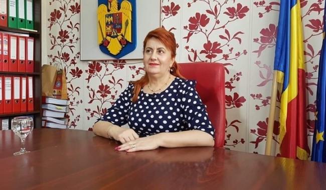 """Primarul Dorinela Irimia: """"Proiectele implementate în familia Saraiu prind contur în fiecare zi!"""