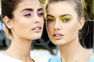 Vara lui 2015: seducție în culori electrice și... abuz de sclipici