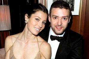 Justin Timberlake şi Jessica Biel au angajat ca bone doi bărbați gay