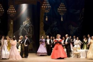 """Seară de duminică cu """"Traviata"""", la Teatrul """"Oleg Danovski"""""""