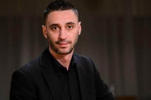 ARTISTUL CONSTĂNȚEAN ARMÂN ADRIAN UZUM, ALIAS SACOȘĂ, ARE NEVOIE DE AJUTORUL NOSTRU ÎN LUPTA CU O BOALĂ CRUNTĂ!