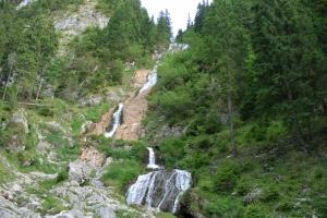 Top 5 cascade spectaculoase ale României