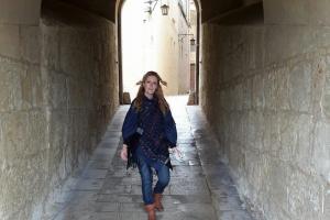 """Ella Patro Designs lansează prima colecție vestimentară, """"Gona"""""""