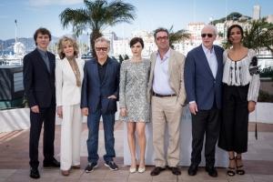 Mădălina Ghenea, în ie, alături de Michael Caine, la Cannes