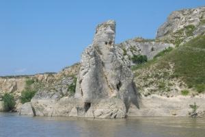 Legenda Moşului şi a Babei, care veghează Dunărea de secole, la Hârșova
