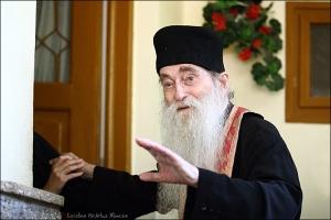 Omagiu adus părintelui Arsenie Papacioc, la Casa de Cultură