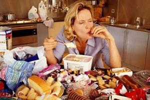 Persoanele care locuiesc singure mănâncă mai puțin sănătos