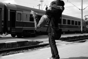 Relaţiile la distanţă au şanse de a rezista sau nu?