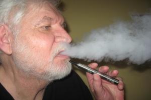 Țigara electronică, între publicitatea negativă și beneficiile reale asupra sănătății